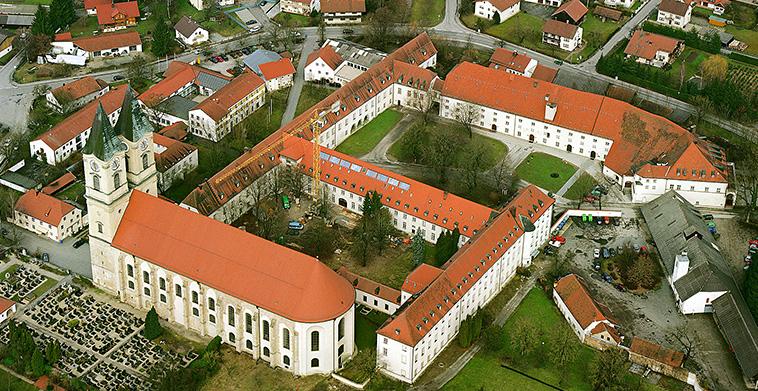 Luftaufnahme Benediktinerabtei aus Südost