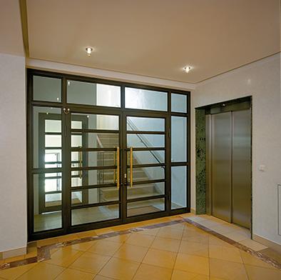 Eingangspfortenhalle mit Klausuraufgang und Aufzug