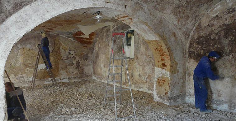 Sanierung der Gewölberäume der ehem. Malztenne, Farb- und Putzabnahme