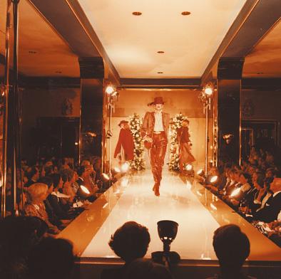 Bühne, Laufsteg für Modenschau
